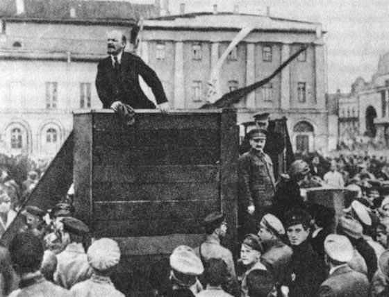 Lenin addressing a crowd, 1920